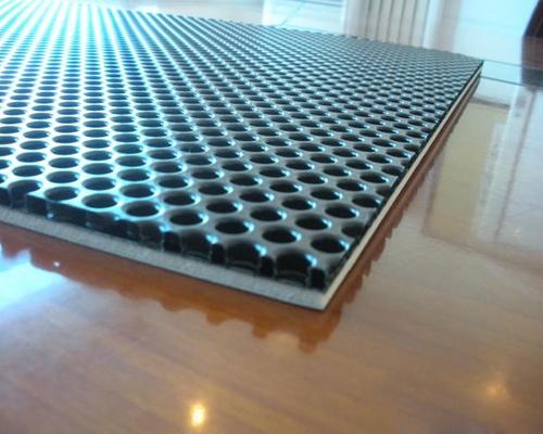 В ходе производственного процесса, производимых на основе сотовой картонной панели, можно легко привести к некачественной причине некачественной массы картона